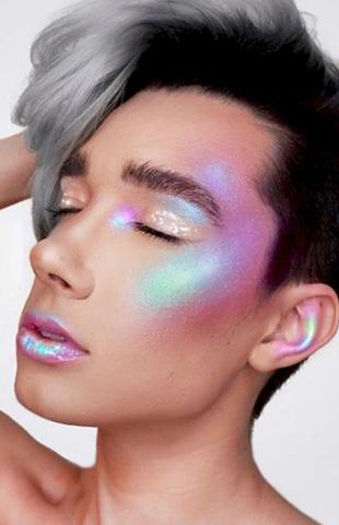 17-letni chłopak został twarzą marki kosmetycznej CoverGirl! (Instagram)