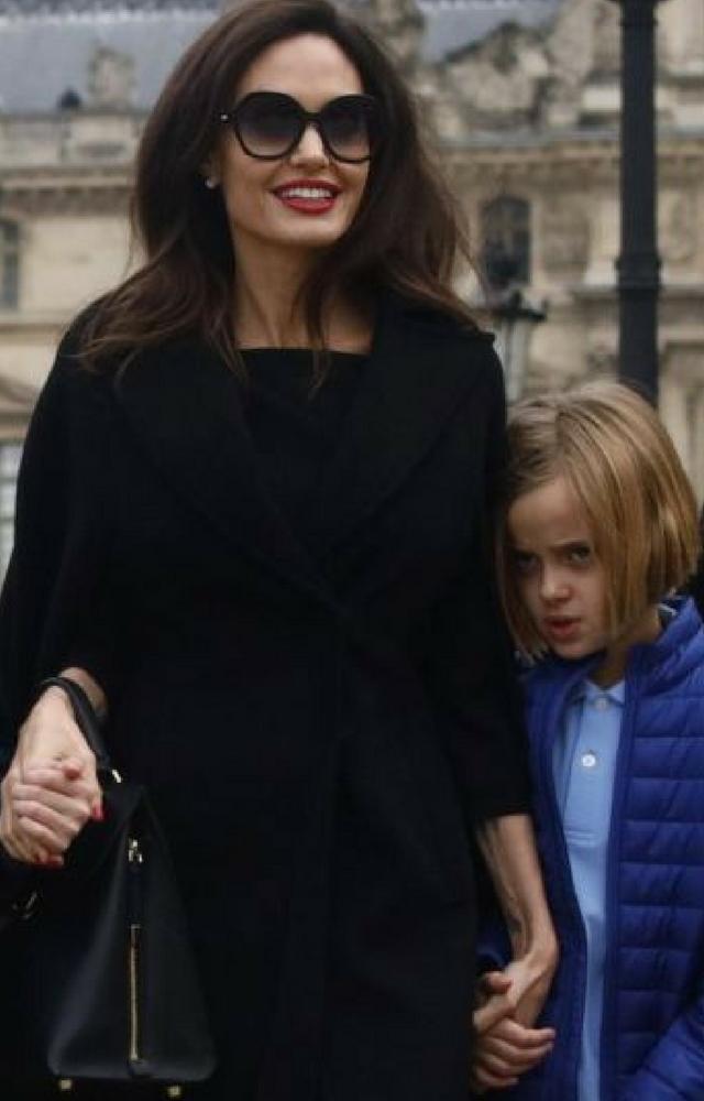 Agnelina Jolie przeprowadza się do Londynu. Bierze ze sobą dzieci...