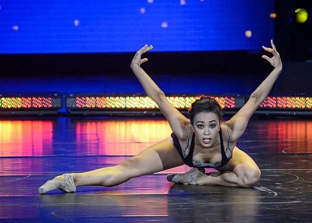 Gdy Jenifer Lara tańczy, Malitowski się rumieni VIDEO