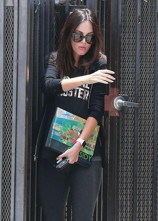 Megan Fox w ciąży stawia na wygodę (FOTO)