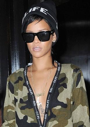 Czy na tym zdjęciu Rihanna uprawia seks? (FOTO)