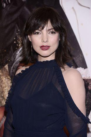 Karolina Gorczyca zmieniła fryzurę, zrobiła seksowny makijaż i wygląda BOSKO