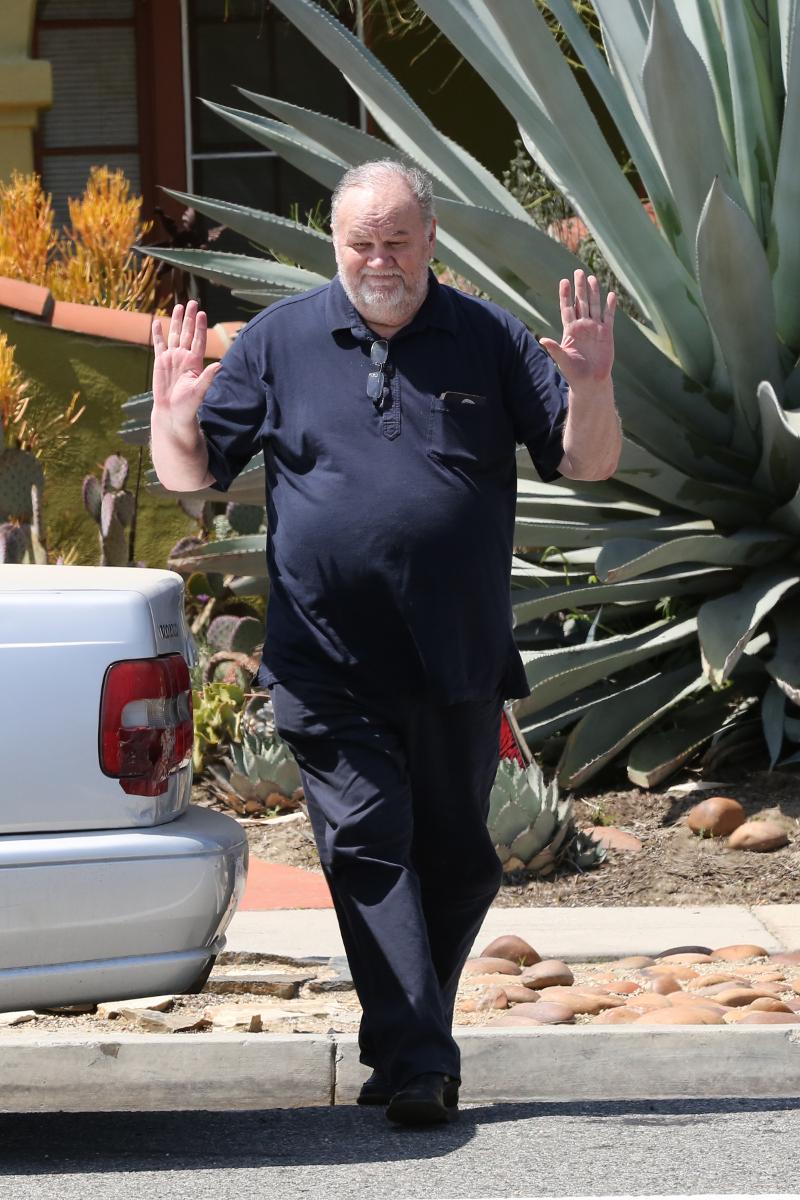Ojciec Meghan Markle POKŁÓCIŁ się z Harrym przez telefon! Rzucali słuchawkami!