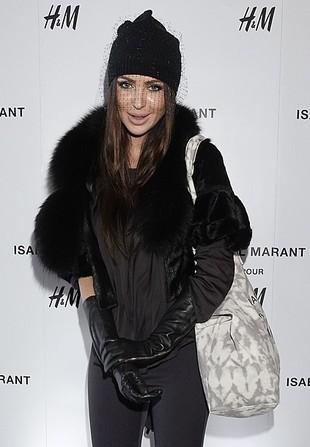 Monika Pietrasińska w czapce z woalką (FOTO)