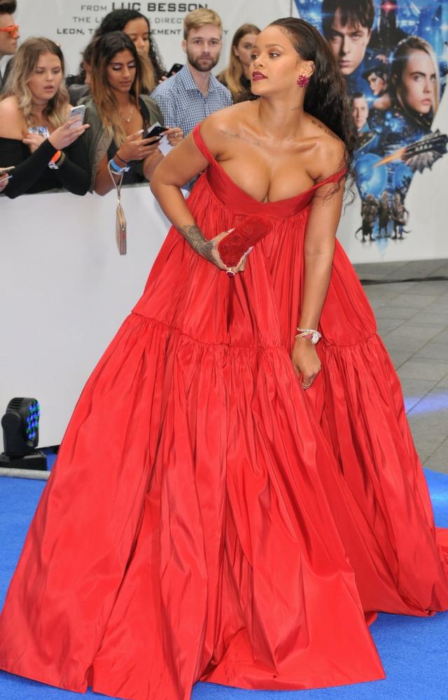 Rihanna chce się spotkać z Chrissem! Wciąż coś do niego czuje