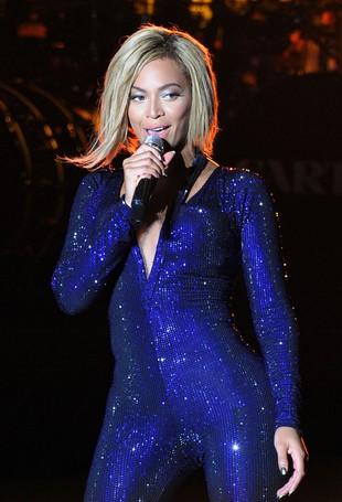 Kobieta przerażona na szczycie młyńskiego koła przez Beyonce