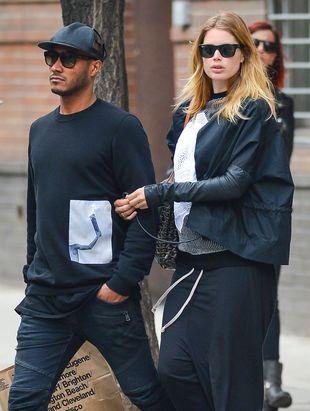 Ciężarna Doutzen Kroes na zakupach z mężem (FOTO)