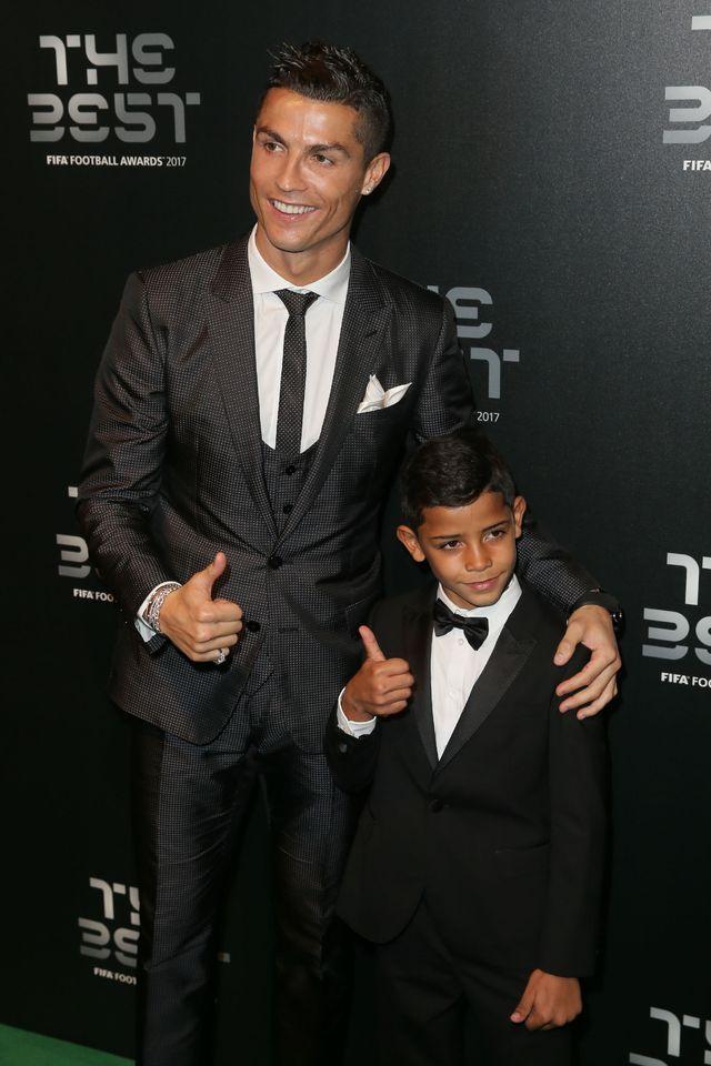 Cristiano Ronaldo oświadczył się Georginie! Planują już ślub