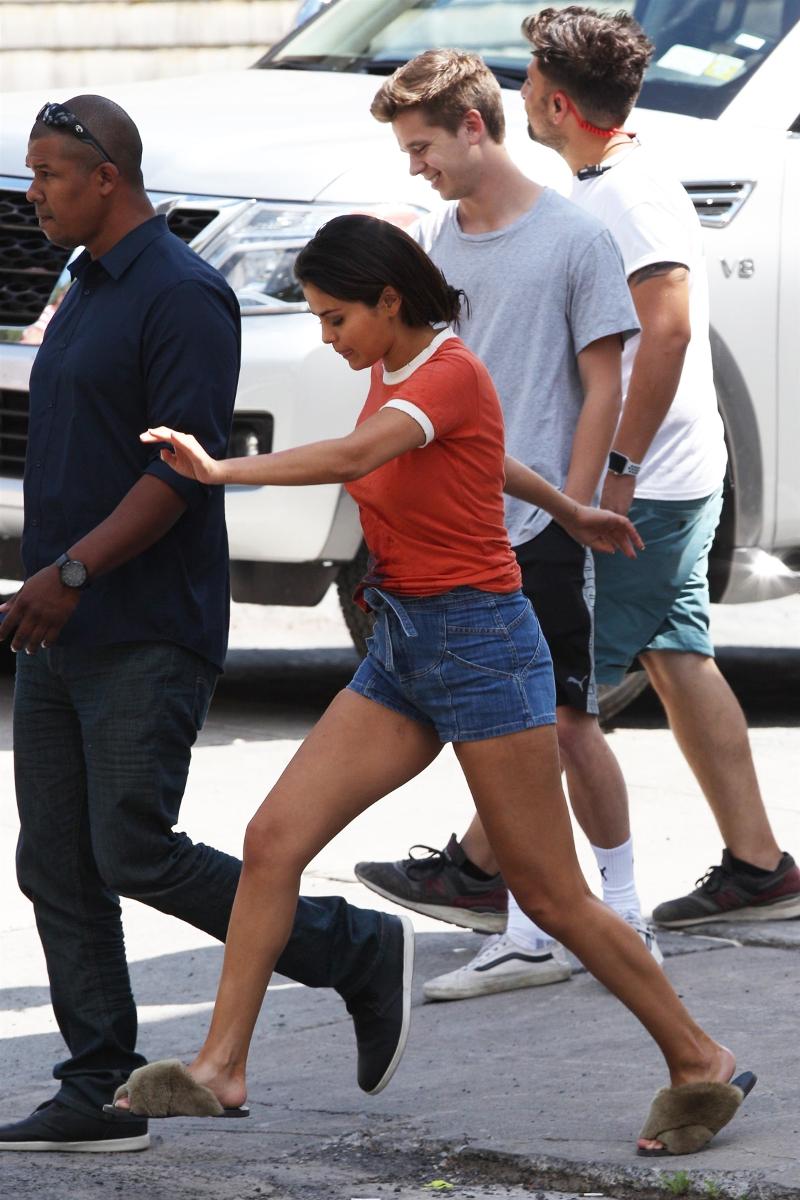 Chudziutka Selena Gomez skacze ze szczęścia przy nowym CHŁOPAKU!