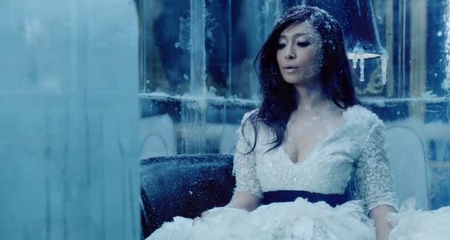 Ayumi Hamasaki – półgłucha piosenkarka ustanawia rekord
