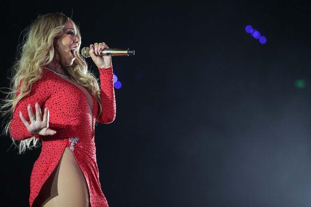 Nie uwierzysz, ile Mariah Carey i Elton John wzięli za… śpiewanie na weselu!