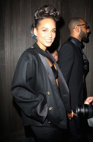Alicia Keys nadal eksperymentuje z fryzurą (FOTO)