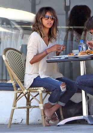 Tak Halle Berry ratuje małżeństwo? (FOTO)