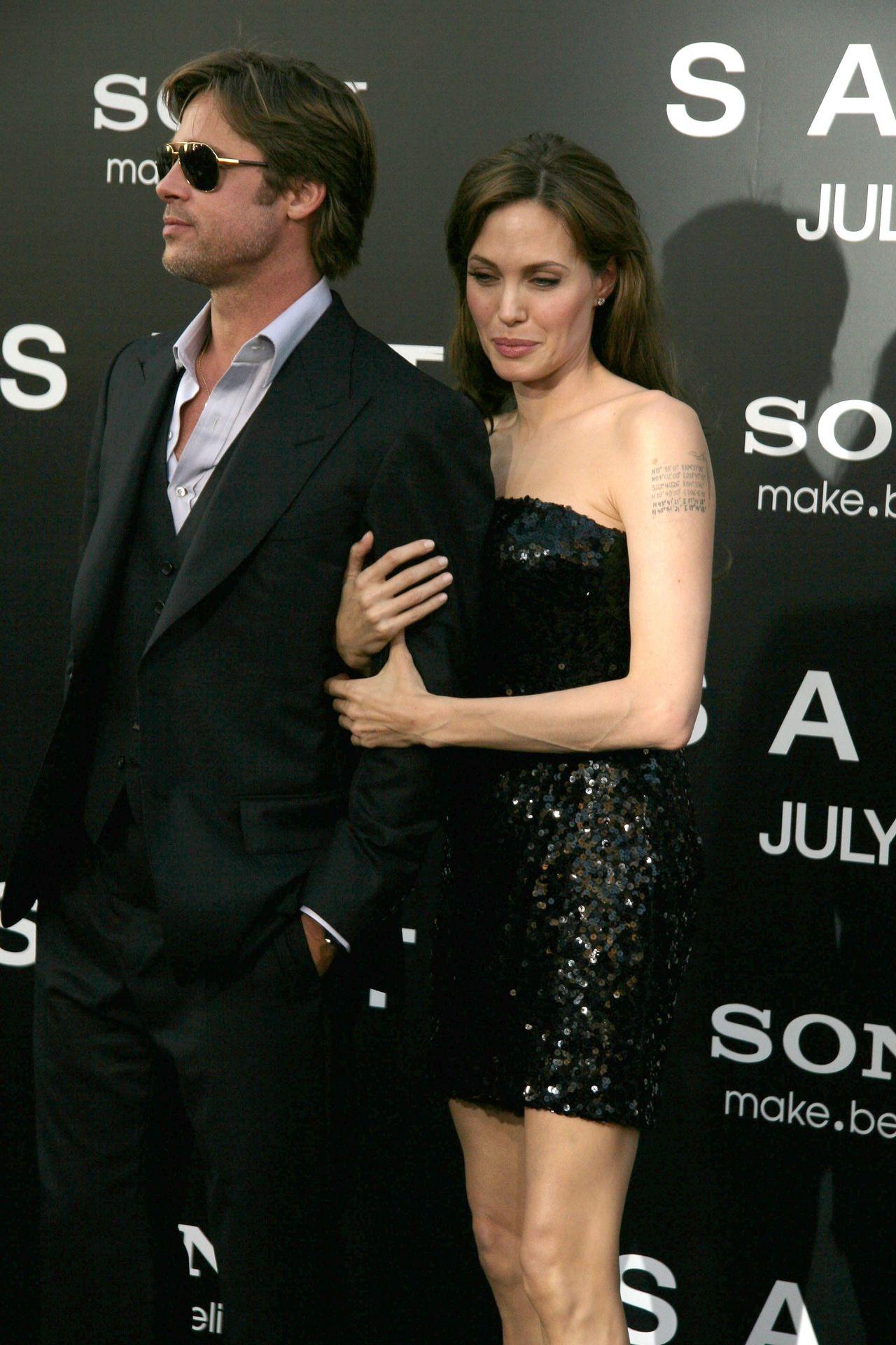 Tak NAPRAWDĘ wygląda relacja Angeliny i Brada!