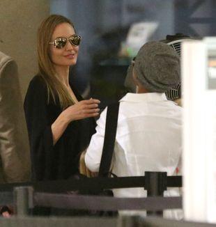 Zapracowana mama – Angelina Jolie (FOTO)