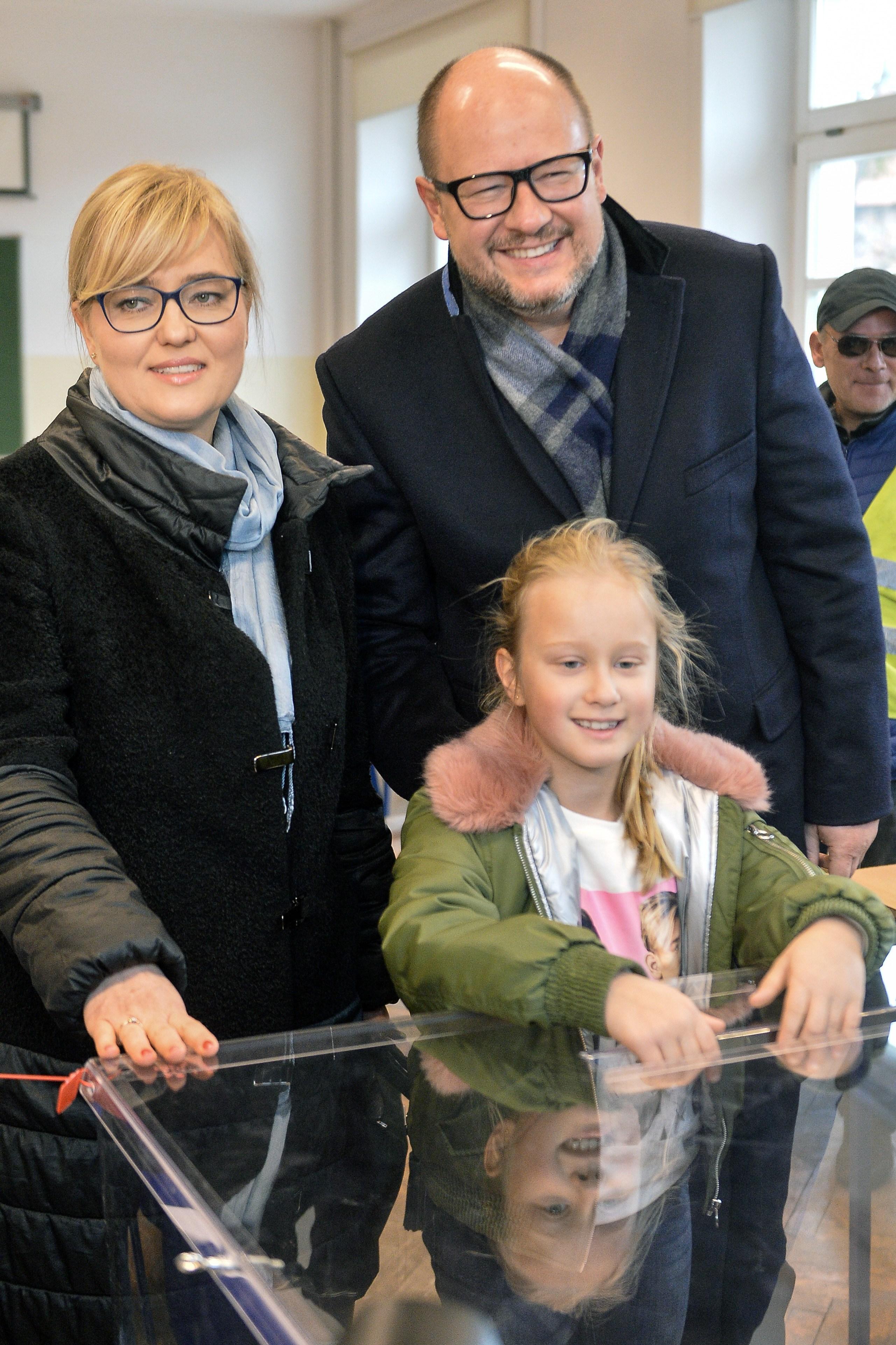 Lekarz o rannym Adamowiczu: Rokowania są niepewne