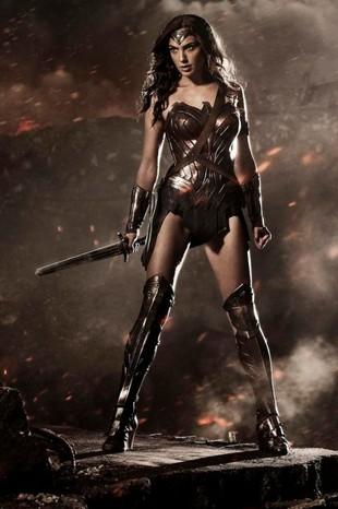 Pierwsze zdjęcia Wonder Woman – w tej roli Gal Gadot (FOTO)