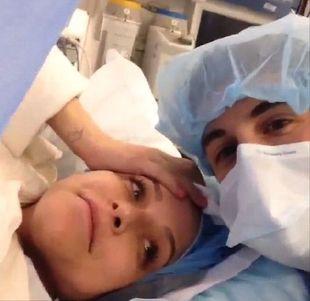 Gwiazdor American Pie pokazał filmik z porodu żony (VIDEO)