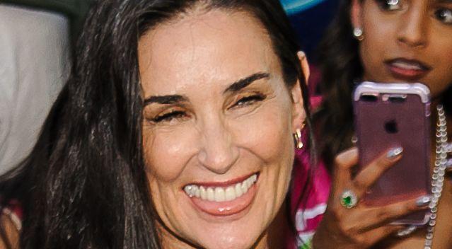 Demi Moore pokazała zdjęcie bez jedynki. Co się stało z jej zębami?