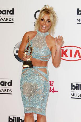 Ta chwila, kiedy Britney Spears bawi się w modelkę (VIDEO)