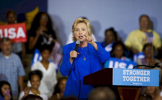 Czy Hillary Clinton cierpi na ŚMIERTELNĄ chorobę? Plotki głoszą, że ma… raka!