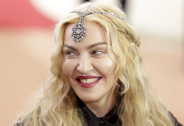Madonna oferuje seks oralny w zamian za głosowanie na Clinton! (VIDEO)