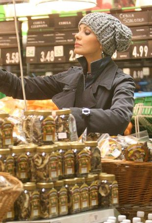 Dorota Gardias – czyżby przedświąteczne zakupy? (FOTO)