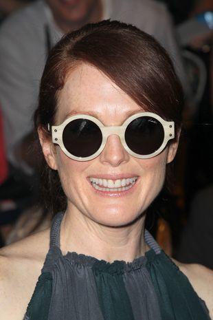 Kosmiczne okulary Julianne Moore (FOTO)