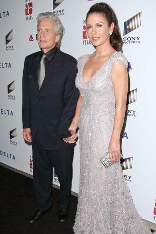 Catherine Zeta-Jones wiernie u boku męża (FOTO)