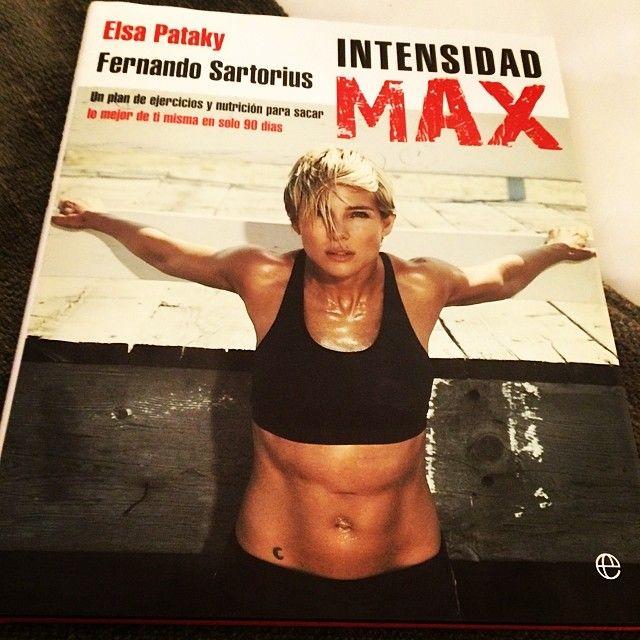 Urodziła troje dzieci, teraz wydała biblię fitness