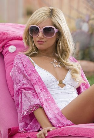 Ashley Tisdale jak kopia Paris Hilton (FOTO)