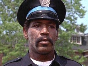 Zmarł Charles Aaron Smith – Hightower z Akademii Policyjnej