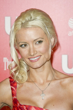 Holly Madison i czerwona panterka (FOTO)