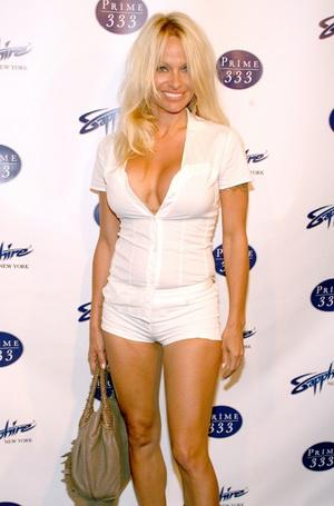 Pamela Anderson i jej króciutkie spodenki (FOTO)