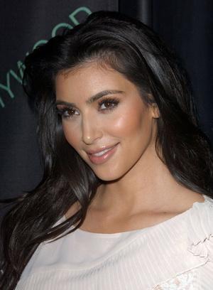 Kim Kardashian już wróciła do swojego koloru włosów