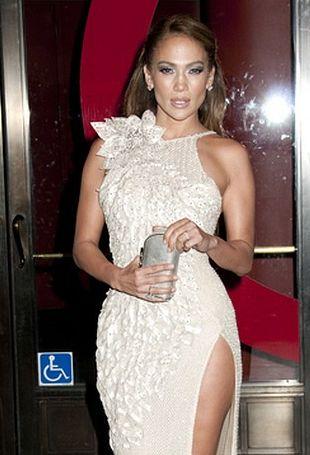 Jennifer Lopez w reklamie samochodu (VIDEO)