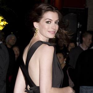 Samotna Anne Hathaway(FOTO)