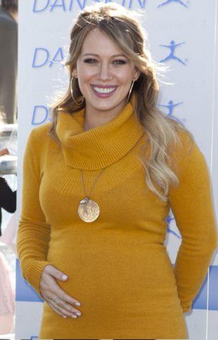 Ciążowy brzuszek Hilary Duff (FOTO)