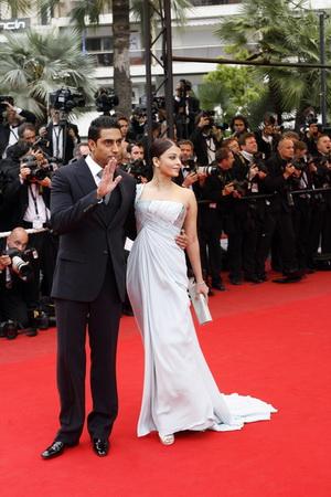 Olśniewająca  Aishwarya Rai i jej mąż (FOTO)