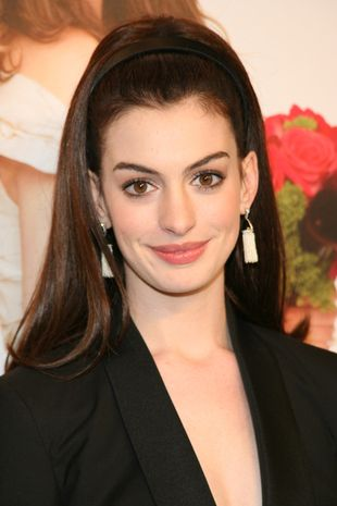 Anne Hathaway całuje się z Adamem Shulmanem