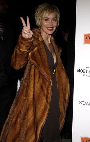 Sharon Stone nadal nosi martwe zwierzęta