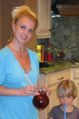 Britney Spears – zwykła, codzienna mama (FOTO)