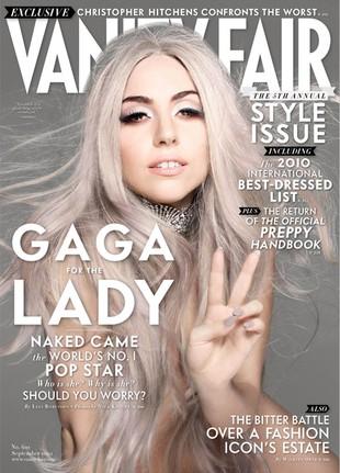 Lady Gaga pokazuje pupę (FOTO)