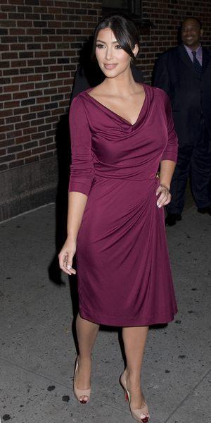 Kim Kardashian ze skaleczonym paluszkiem (FOTO)