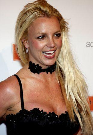 Britney Spears bez stanika, ale za to w kozaczkach