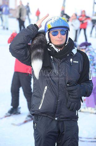 Tomek Jacyków uczy się jeździć na nartach (FOTO)