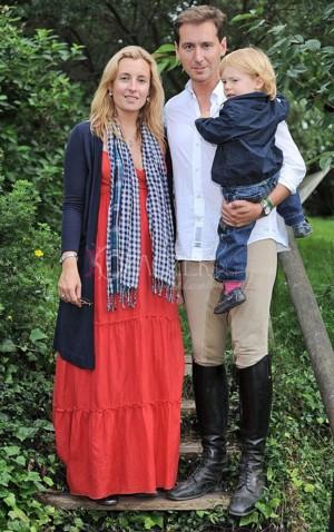 Karolina Ferenstein nadal zakrywa brzuszek (FOTO)