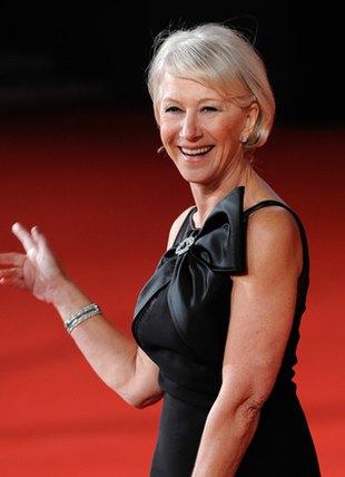 64 lata? Helen Mirren nie chce się zestarzeć (FOTO)