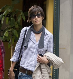 Emma Watson (prawie) bez majtek