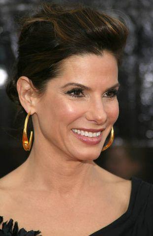 Sandra Bullock opiekuje się trojgiem dzieci Jessego Jamesa